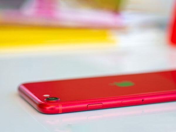 Apple iPhone SE-6